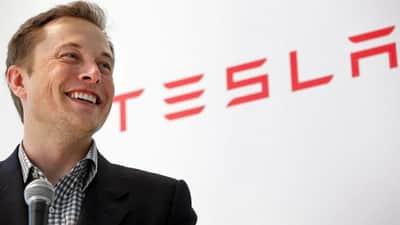 Apple contratou funcion�rios demitidos da Tesla