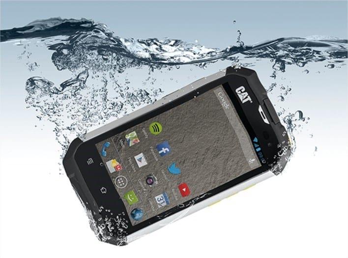 Motorola faz levantamento das principais causas de telas quebradas no mundo