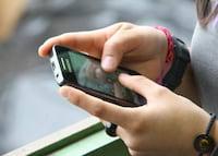 Brasileiros guardam segredos em smartphones