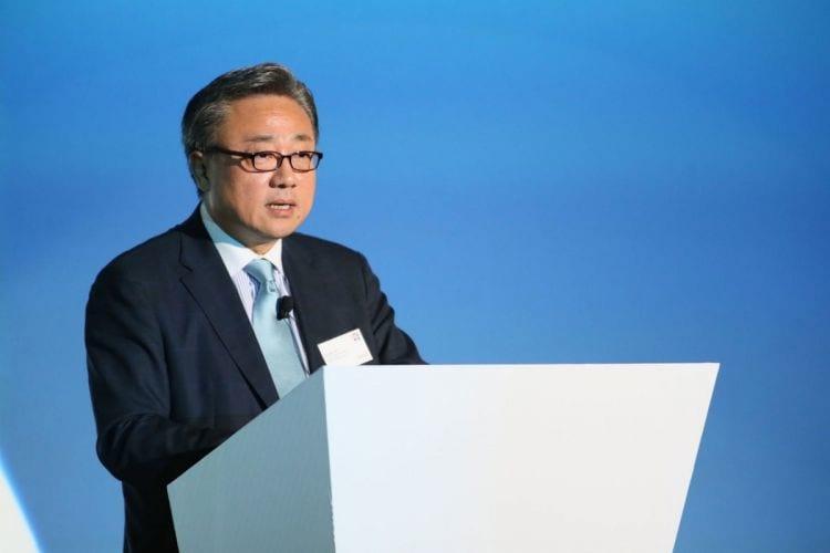 DongJin Koh ocupará o lugar de JK Shin, na Samsung.