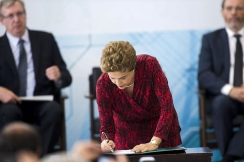 Dilma sanciona marco legal da ciência e tecnologia