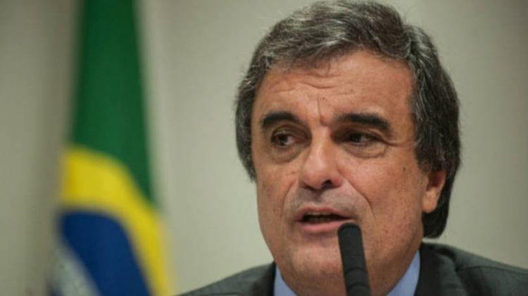 Ministro da Justiça diz que jogos incentivam os crimes