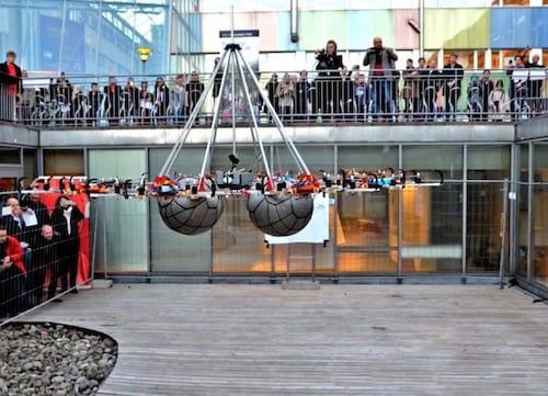 Drones entram para o Guinness ao carregarem 61 Kg