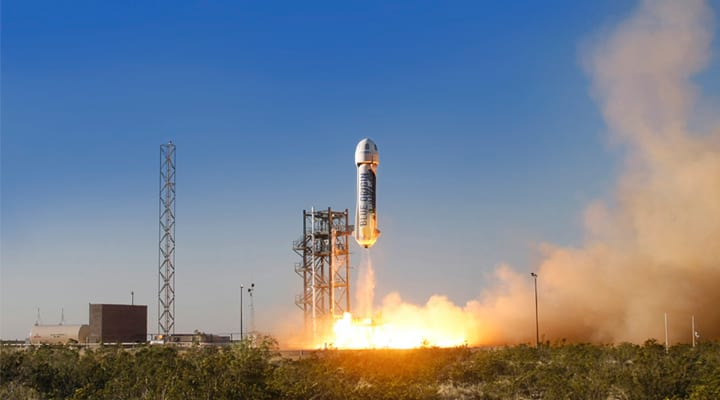 Blue Origin, empresa de transporte espacial, pertence a Jeff Bezos, da Amazon.