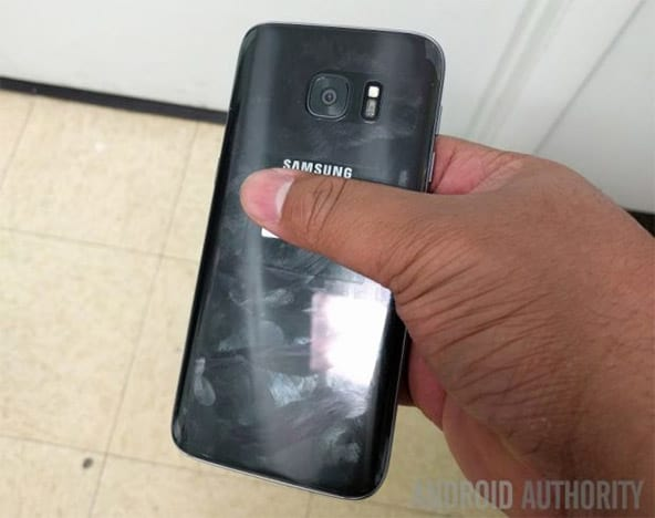 Galaxy S7 aparece em fotos e vídeo de Hands-on