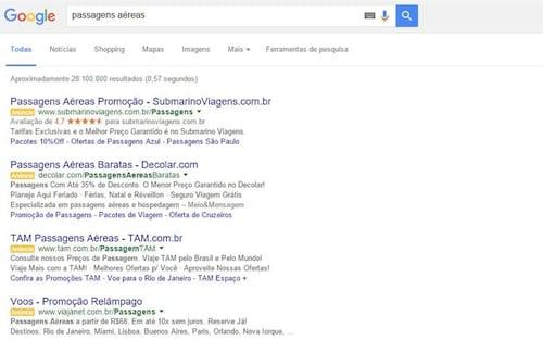 Google tira anúncios da barra lateral e adiciona mais um na lista