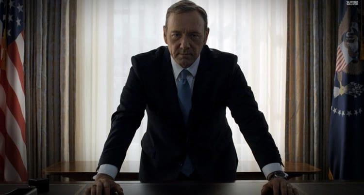 Com estreia prevista para esta sexta-feira, House of Cards ganha dois novos teasers