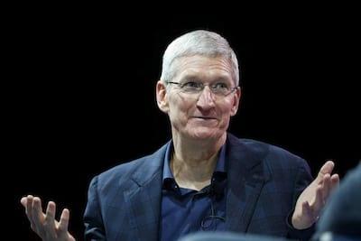CEO da Apple assume que alto pre�o do iPhone pode ter prejudicado nas vendas