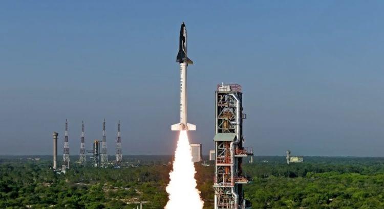 Índia lança com sucesso nave reutilizável. O país terá como concorrentes empresas privadas que já realizam testes com suas naves.