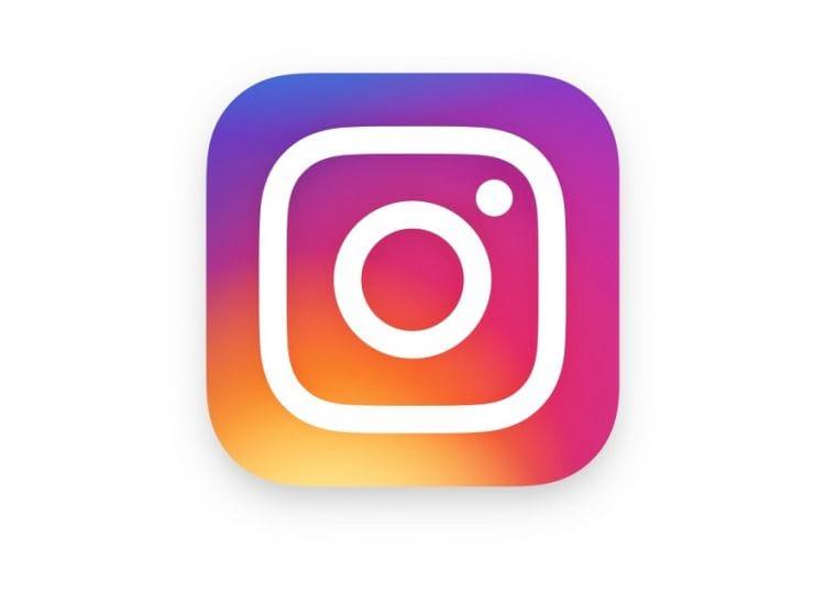 Instagram foi comprado pelo Facebook em 2012. Desde então, a sua base de usuários no mundo todo tem crescido consideravelmente. Ao todo são postadas 95 milhões de fotos e vídeos diariamente na rede social.
