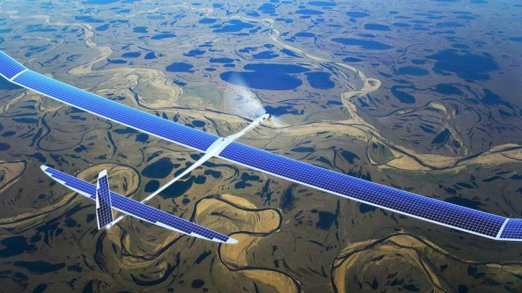 Facebook completa primeiro teste com drone movido a energia solar