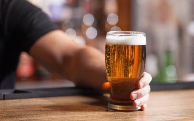 Que tal encarar uma cerveja produzida a partir da urina?