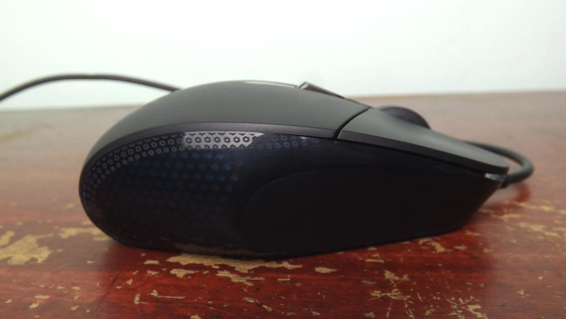 Créditos da imagem para Play3r.net: http://play3r.net/reviews/peripherals/logitech-g302-daedalus-prime-moba-gaming-mouse-review/4/