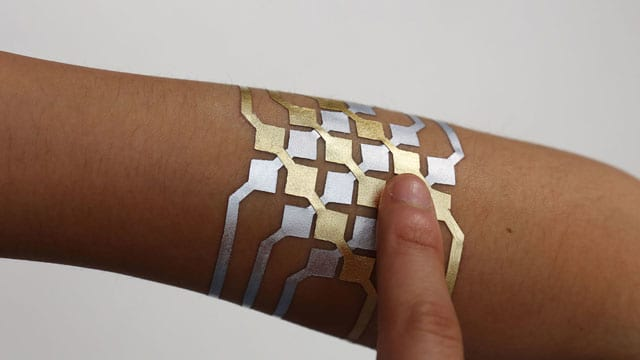 Conheça a tatuagem que permite controlar dispositivos eletrônicos