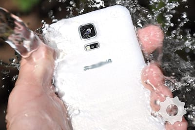 Dicas do que fazer quando o celular molha