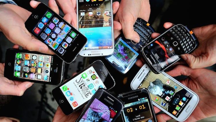 Brasileiros deixam de comprar smartphones devido ao alto valor.