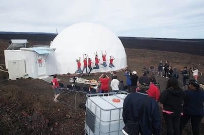 Miss�o de treinamento para viver em Marte chega ao fim