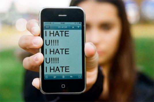 Precisamos falar sobre cyberbullying e suas consequências