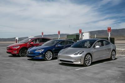 Tesla desenvolve tecnologia para crian�as n�o morrerem asfixiadas dentro de ve�culos
