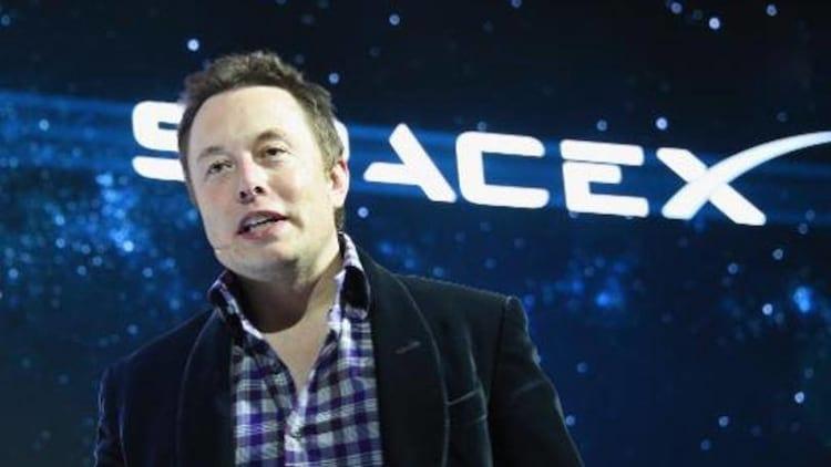 Elon Musk apresenta plano de coloniza��o de Marte