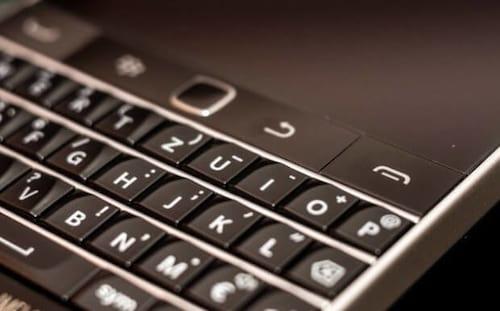 BlackBerry irá licenciar teclado físico para outras fabricantes
