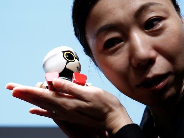 Toyota lança robô falante pra acompanhar humanos