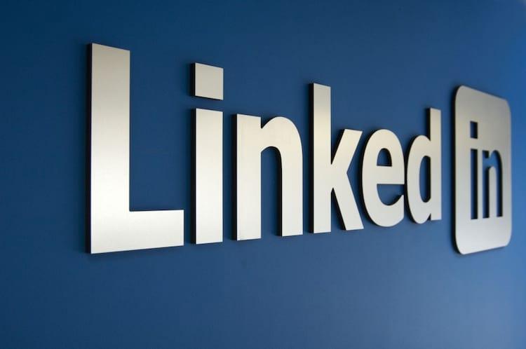 A Salesforce, companhia de software corporativo, alega que compra do LinkedIn pela Microsoft ameaça a concorrência.
