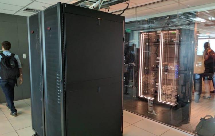 Microsoft inaugura em Brasília central de transparência para governos