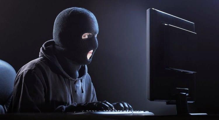 Sites falsos de ofertas de empregos estão sendo usados para enganar brasileiros