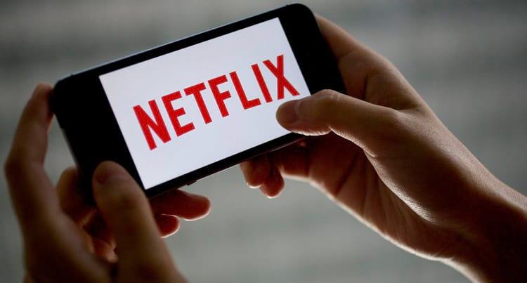 Download de filmes e séries na Netflix ocupa menos espaço que você imagina