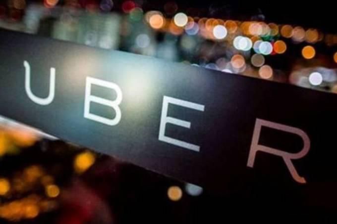 Corra! Ainda dá tempo! Uber está distribuindo nesta sexta prêmio no valor de até R$ 400. Promoção vai até às 16 horas de hoje.