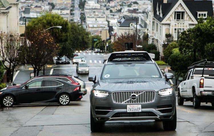 Uber admite que disponibilizou carros autônomos com problema de segurança