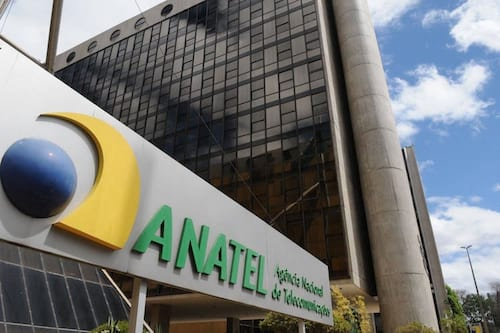 Governo volta atrás e Anatel afirma que proibição de limite de franquias continua