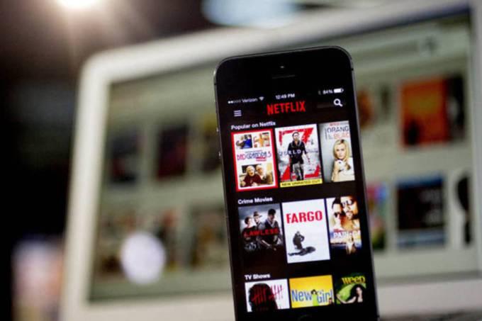 Netflix passa a permitir baixar vídeos para o cartão de memória
