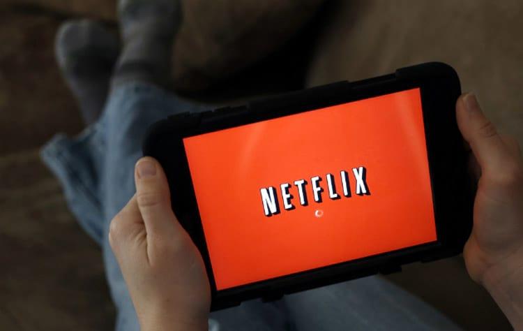 Netflix 'perde' bilhões por ano por não exibir publicidade
