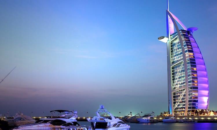 Quem tem coragem? Dubai será o primiero local no mundo a contar com carros voadores. O veículo suporta até 117 quilos.
