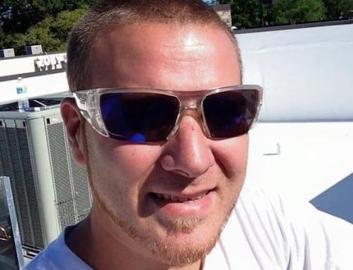 Streamer morre após passar vinte e duas horas jogando