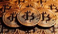 Valor do bitcoin bate recorde e supera R$ 3.700