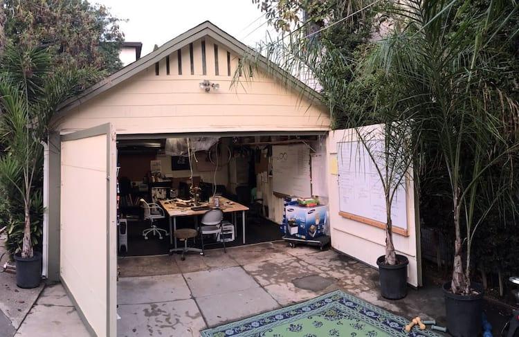 Como toda boa empresa de tecnologia, a VHO começou em uma garagem