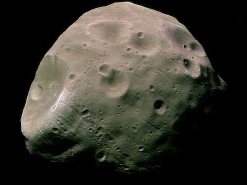 Nasa realiza manobra para impedir colisão de sonda com lua de Marte