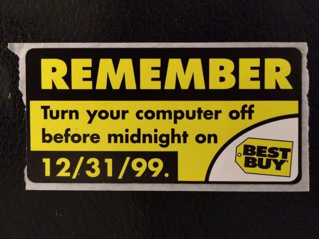 Lembrete de uma das maiores varejistas de eletroeletrônico dos EUA lembrando as pessoas de desligarem suas máquinas na virada para evitar maiores problemas.