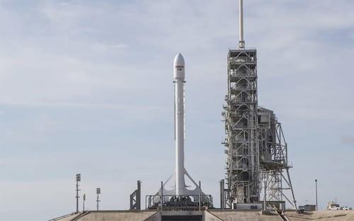 Space X tentará novamente o lançamento de satélite de comunicações