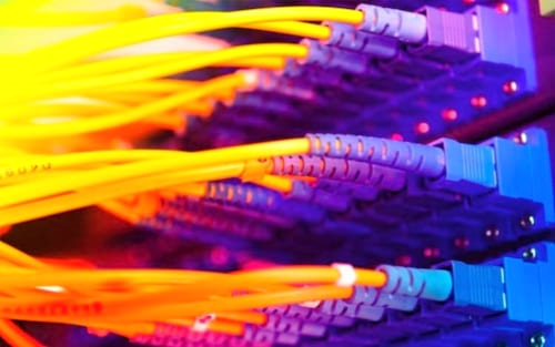 Senado aprova projeto de lei que termina com franquias de banda larga