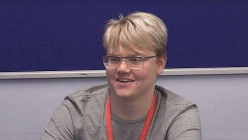 Jovem de 17 anos corrige dados da Nasa