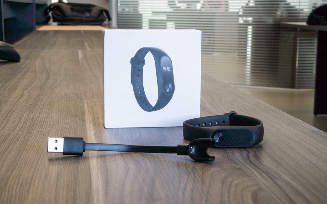Review Xiaomi Mi Band 2: Vale a pena comprar uma pulseira?