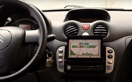 Nova moda? Motorista oferece Super Mario no Uber