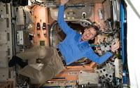 Astronauta norte-americana, bate recorde de tempo no espaço