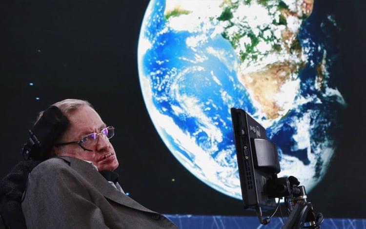 Stephen Hawking crê que a Terra termine em 100 anos