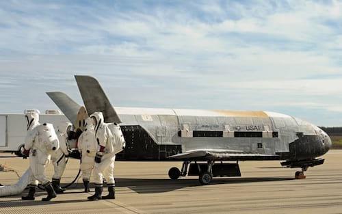 Nave espacial secreta americana retorna à Terra após dois anos na órbita do planeta