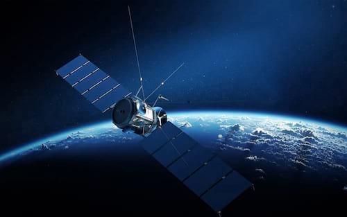 Satélite deverá levar banda larga para todo Brasil, afirma Kassab
